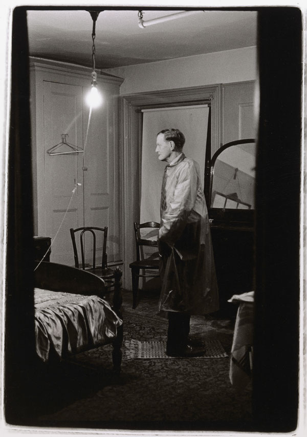 The Backwards Man in his hotel room, N.Y.C. 1961