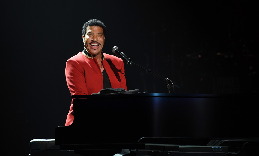 Lionel Richie at piano