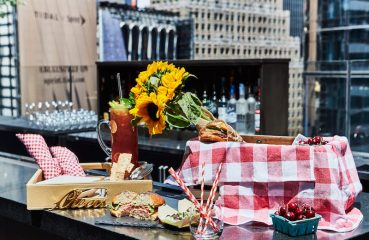 Picnic at the Knickerbocker Hotel