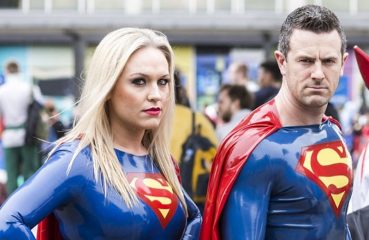 Cosplay Supergirl/Superman