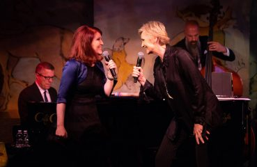 jane and kate on stage at cafe carlyle