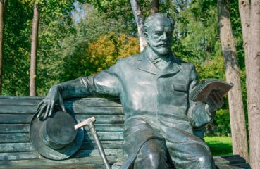Tchaikovsky statue