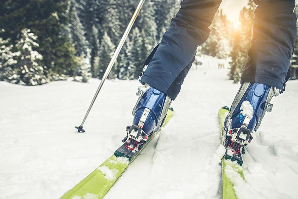 skiier's legs