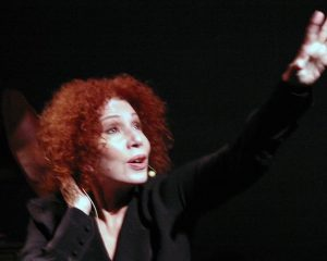 """La Vie en Rose"": See This Singing Legend's Master Class"